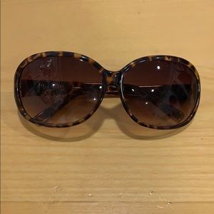 Fossil sunglasses in brown tortoise color